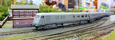 Farish N Gauge Blue Pullman