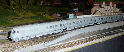 Graham Farish (Bachmann) N Gauge Blue Pullman