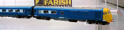 Farish N gauge blue pullman with yellow ends