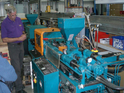 Dapol injection moulding machine