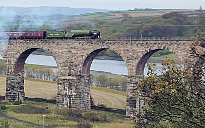 Tornado crossin the Royal Border Bridge in Berwick